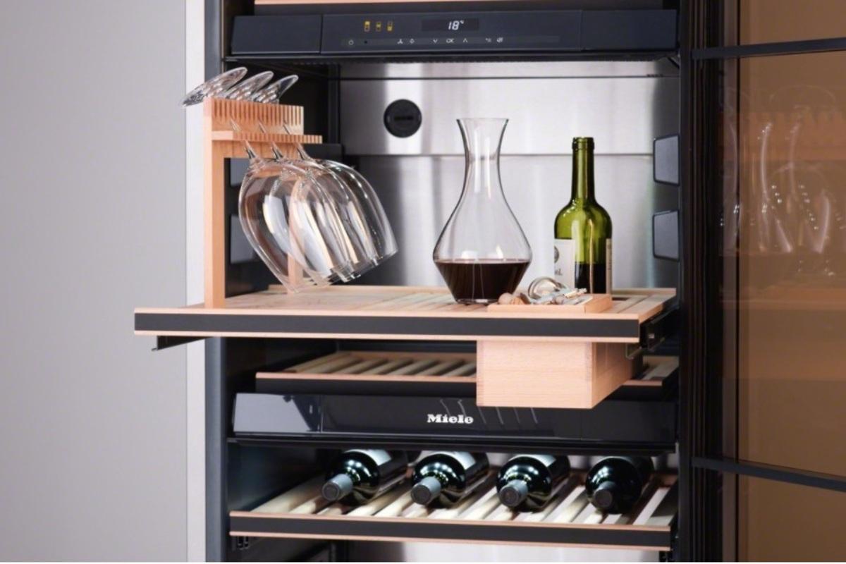 Cantinetta da vino a uso domestico: la vostra enoteca personale a portata di mano