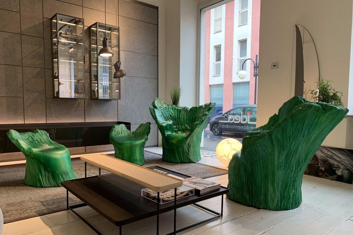 Una poltrona trasforma la natura e la lascia entrare in casa: Green di Piero Gilardi vi aspetta da Idea